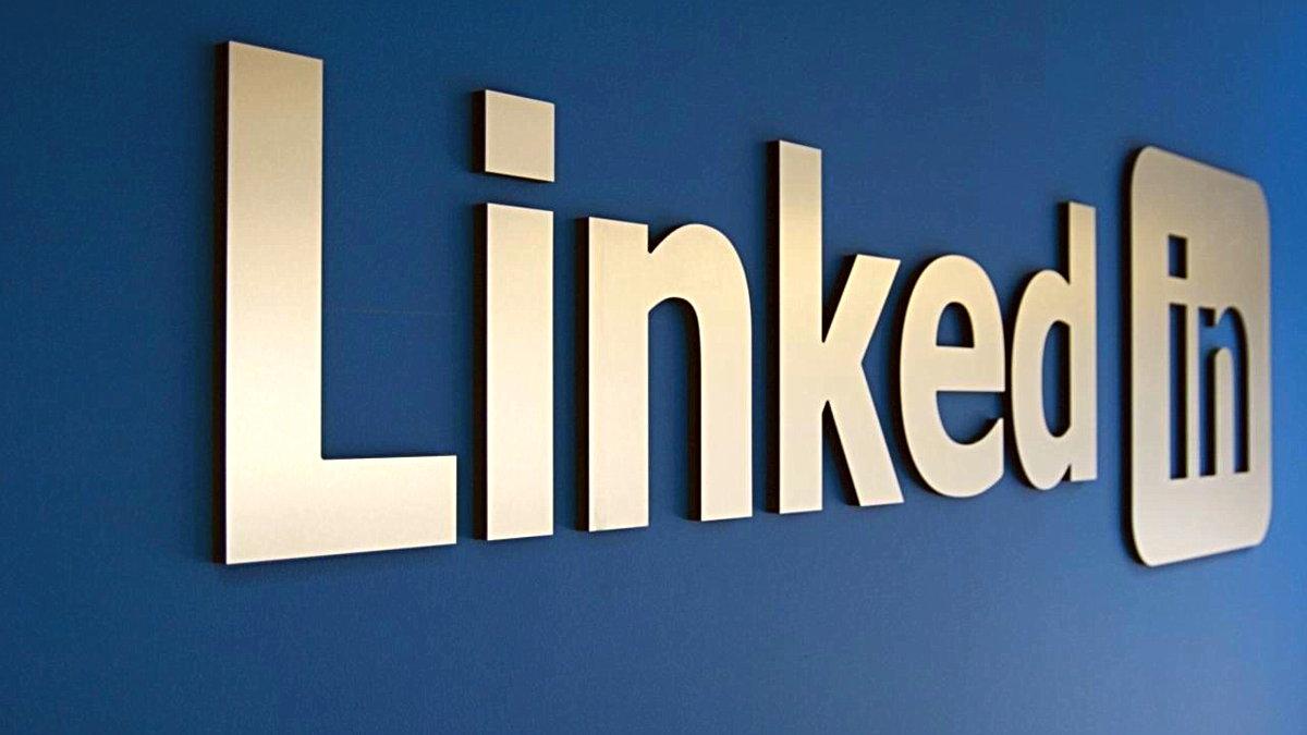 Dünyanın en büyük iş arama ve online CV paylaşma sitesi Linkedin büyük bir teknik açık yaşadı. Açık sonrası 500 milyon kişinin hesap verileri çalındı. Veritabanına erişen Hackerlar, Linkedin'ı çok zor bir duruma soktu.