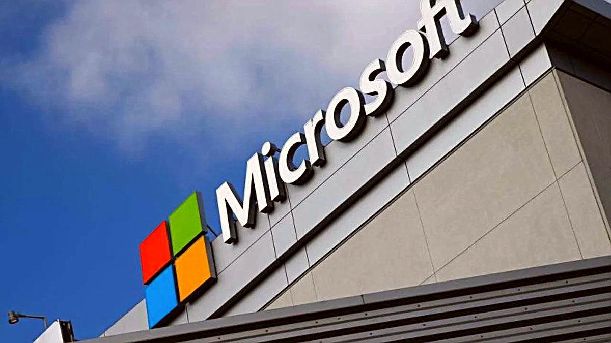 Microsoft'un, Siri'nin arkasındaki geliştirici olan Nuance Communications Inc'i satın almak için harekete geçtiği bildirildi. Reuters'ta yer alan bir habere göre Microsoft, Nuance Communications Inc için 16 milyar dolar ödemeyi kabul etti. Konuyla ilgili önümüzdeki saatlerde bir açıklama gelmesi bekleniyor.