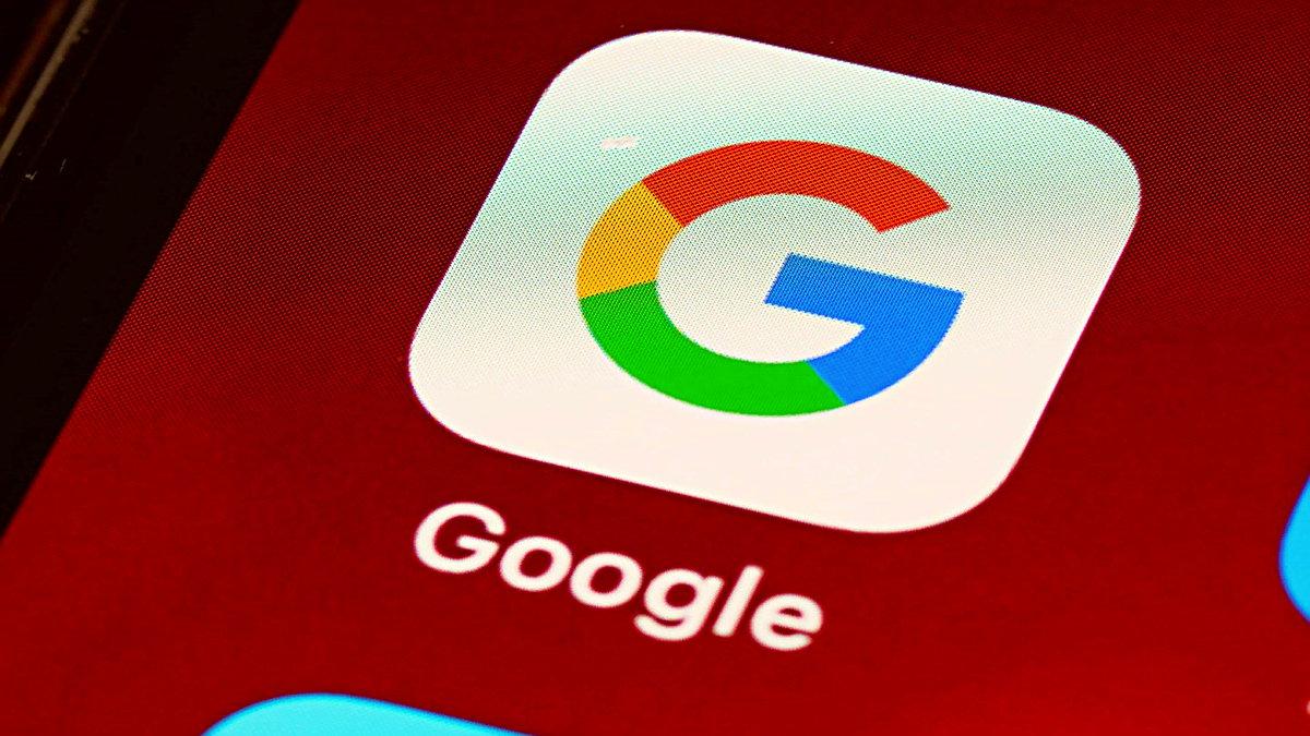 Google, ürün inceleme yazılarını arama sonuçlarında listelerken algoritmada artık kaliteyi ön plana alacak şekilde bir değişiklik yaptı. Yeni güncellemeyle birlikte site yetkilileri, gelen trafikte olumlu ya da olumsuz bir dalgalanma görebilir.
