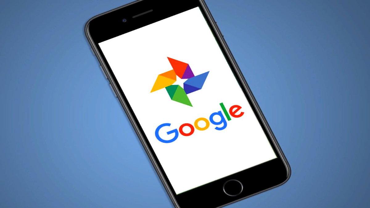 """Google Fotoğraflar için yeni bir güncelleme yayınlandı. Şirket, yeni politika öncesinde kullanıcılarına kolaylık sağlayacağı bir takım araç piyasaya sürdü.Günümüzde popüler olarak kullanılan Google Fotoğraflar uygulaması, 1 Haziran tarihinden itibaren """"ücretsiz yedekleme"""" işlevini bırakarak ücretli aboneliğe geçiş yapacak."""