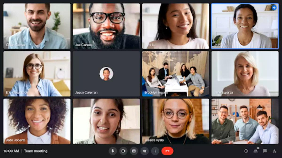 Donanım aygıtlarını karşılamak için yenilenmiş Google Meet web deneyiminin kullanıma sunulmasını genişletiyor. Toplantılar için bir Chromebase ile Meet calls'a katılan kullanıcılar, hepsi bir arada dokunmatik ekranlı cihaz, video beslemeleri, görüntüleme ve sunma deneyimi ve alt çubuk için iyileştirmeler fark edecektir: