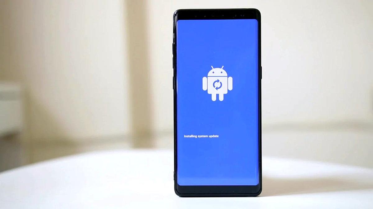 Android kullanıcılarının en sık karşılaştıkları problemlerden biri kasan cihazlardır. Uygulamalar geç açılıyor, verdiğiniz komuta yanıt geç geliyor ve telefon artık eski performansını göstermiyorsa uygulayabileceğiniz bazı yöntemler var. Kasma sorunu yaşayan Android cihazlar için uygulayabileceğiniz 10 çözüm önerisini anlattık.